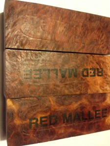 Red Mallee burl bloczek